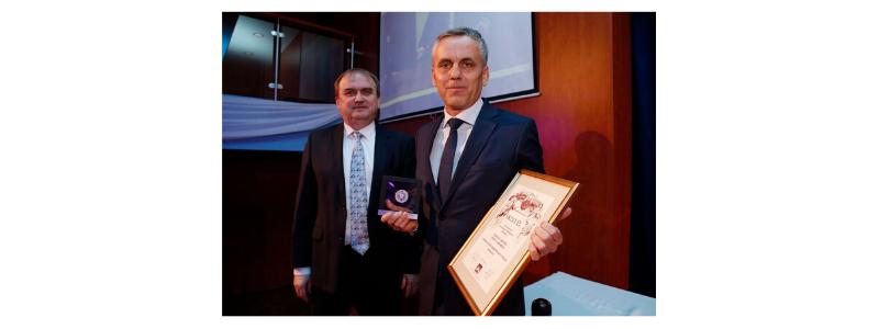 Baranya Megyei Innovációs Díjat kapott a Terrán Tetőcserépgyártó Kft.